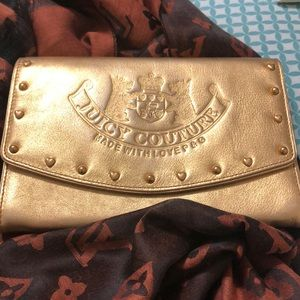 Juicy Couture clutch/ wallet